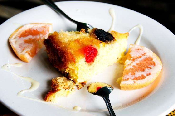 Gato Zannanna (upside down pineapple rum cake).