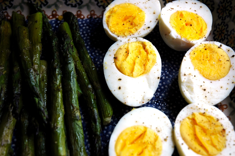 Mommy's Asparagus & Boiled Eggs