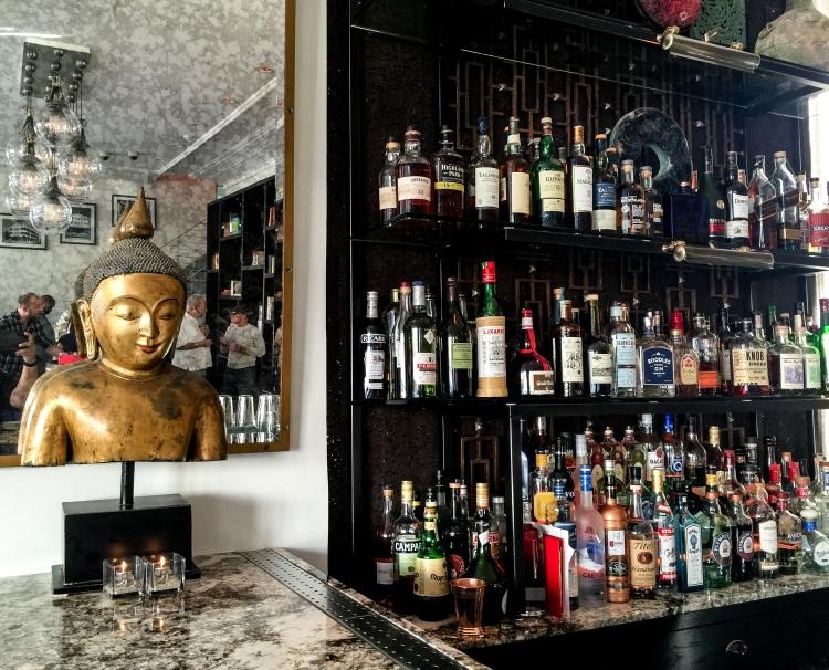 bar at bazi